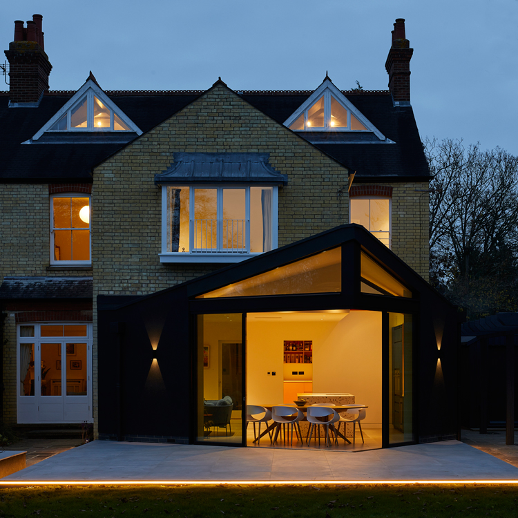 Contemporary extension in cambridge
