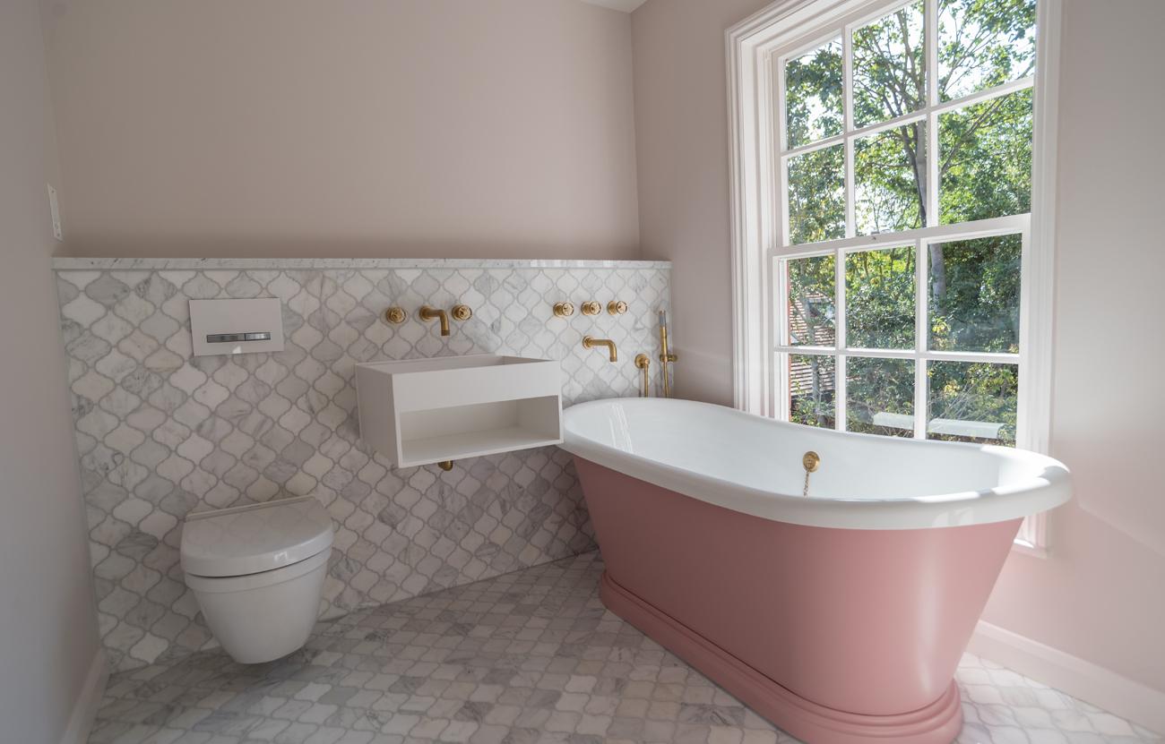 Pink bathroom suite